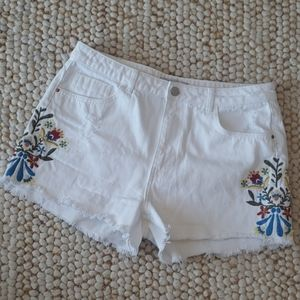 ZARA White Denim Floral Shorts Size 10